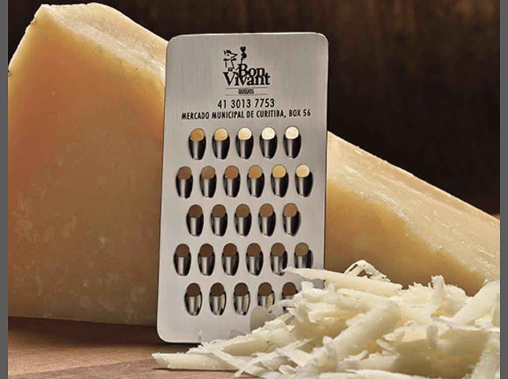 Il biglietto è una grattugia per formaggio