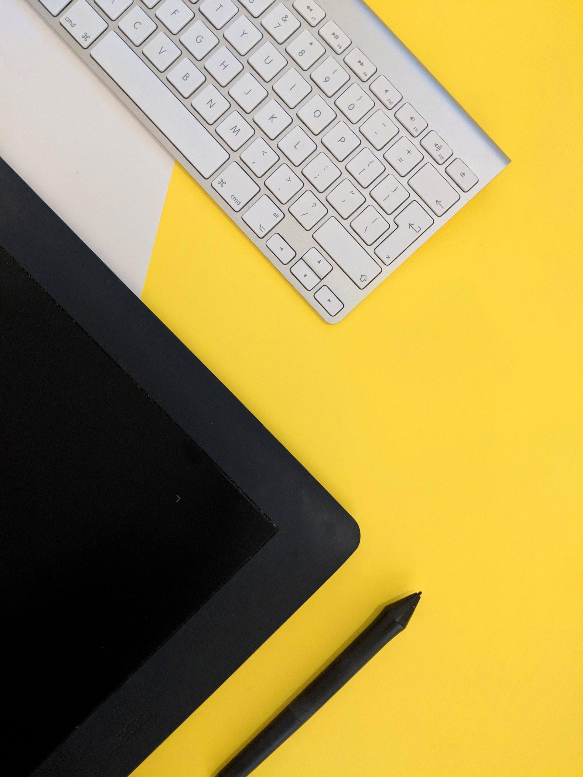 Scrivere testi ottimizzati SEO, cioè per i motori di ricerca, è molto importante per scegliere le parole chiave giuste e farti trovare dal tuo futuro cliente.